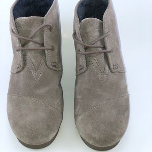 Tom's Desert Taupe Suede Ankle Boot